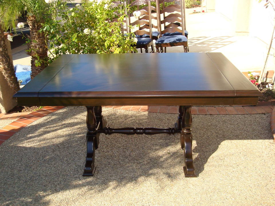 Dining table refinishing after