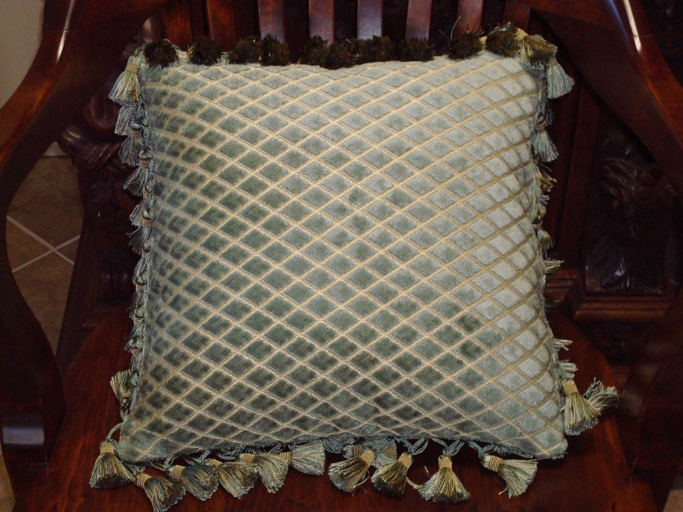 Sude pillow upholstering
